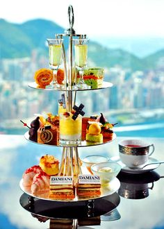 Ritz-Carlton, Hong Kong and Damiani collaborate to offer jewelry-inspired afternoon tea - Cream Tea, Chefs, Vegan Teas, Brunch, Afternoon Tea Parties, Afternoon Tea Set, Best Sweets, Tea Sandwiches, Dessert