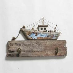Barn Wood Crafts, Wooden Crafts, Driftwood Sculpture, Driftwood Art, Beach Crafts, Diy And Crafts, Anniversary Ideas For Him, Deco Marine, Driftwood Projects