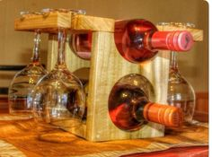 Wine rack with glasses Wood Wine Racks, Wine Rack Wall, Wine Glass Holder, Wine Holders, Woodworking Tools For Sale, Small Woodworking Projects, Non Alcoholic Wine, Pallet Wine, Wine Craft