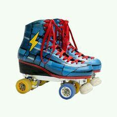 Best Roller Skates, Roller Skate Wheels, Roller Derby, Roller Skating, Luna E Simon, Glow Shoes, Skate Photos, Subway Surfers, Son Luna