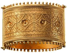 Gold Greek and Etruscan Revivalist hinged bangle, maker unknown, 1880 - 1885 Ancient Bracelet, Ancient Jewelry, Antique Jewelry, Gold Jewelry, Jewelery, Vintage Jewelry, Fine Jewelry, Antique Gold, Viking Jewelry