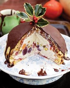 Think of this winter bombe recipe from Jamie Oliver's Christmas Cookbook as an alternative chocolate Christmas pudding, stuffed with fruit and ice cream. Frozen Desserts, Just Desserts, Dessert Recipes, Baking Desserts, Pudding Recipes, Banana Pudding Desserts, Delicious Desserts, Xmas Food, Christmas Cooking