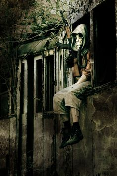 One of the best gas mask pictures I have seen. Fascinating.
