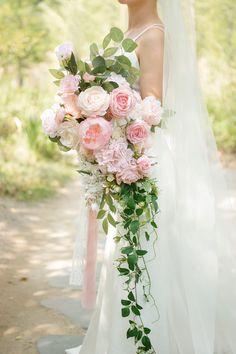 Cascading Wedding Bouquets, Peony Bouquet Wedding, Blush Bouquet, Bride Bouquets, Bridal Flowers, Pink Flower Bouquet, Bridal Bouquet Pink, Summer Wedding Bouquets, Pink Wedding Theme