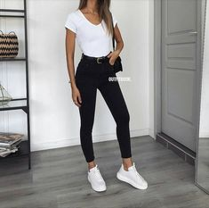 Outfit inspiration, have the jeans and jacket! – Inspire your outfit, jeans and jacket! Uni Outfits, College Outfits, Mode Outfits, Cute Casual Outfits, Everyday Outfits, Spring Outfits, Winter Outfits, Fashion Outfits, Casual Sneakers Outfit