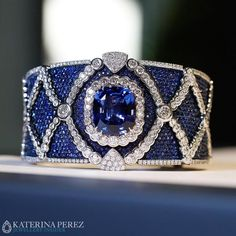 Best Diamond Bracelets  : Masterpiece bracelet with an impressive #sapphire and #diamonds by #Miseno Mi