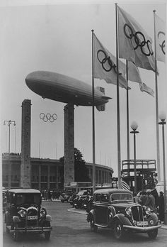 "In the click-through album on 100 years of Olympic equestrian events comes this (machine translation) ""Sensational discovery: the opening of the Olympic Games in Berlin in 1936, the airship LZ 129 'Hindenburg' was released in the Olympic Stadium. Photo: photo archive in the German Horse Museum."""