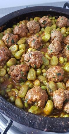 Kefta tajine with peas and beans Source by raymondduverneuil Healthy Dinner Recipes, Cooking Recipes, Morrocan Food, Healthy Ground Beef, Algerian Recipes, Tagine Recipes, Clean Eating Chicken, Easy Healthy Breakfast, Couscous