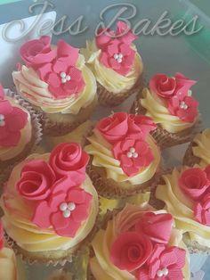 Flower cupcakes by Jess Bakes www.jessbakes.net
