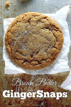 Soft and Chewy Brown Butter Gingersnaps from Baker by Nature are great anytime of the year. With flavors of cinnamon, ginger, and cloves packed into brown sugar cookies flavored with molasses, this cookie will be an instant success. Cookie Flavors, Cookie Desserts, Just Desserts, Delicious Desserts, Dessert Recipes, Cookie Cups, Baking Recipes, Holiday Cookie Recipes, Holiday Cookies