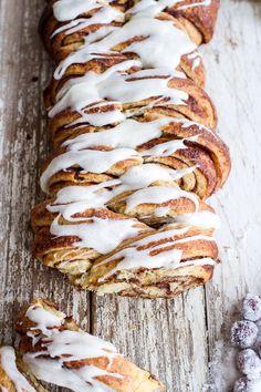 Overnight Pull-Apart Brioche Cinnamon Roll Bread