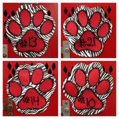 Lobos, one pack one dream football Football Locker Signs, Soccer Locker, Football Cheer, High School Football, Football Spirit, Football Posters, Baseball, Volleyball Locker Decorations, Locker Room Decorations