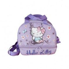 ΣΑΚΙΔΙΟ ΦΑΓΗΤΟΥ HELLO KITTY ΣΕ ΛΙΛΑ ΧΡΩΜΑ Πρόκειται για μια υφασμάτινη τσάντα φαγητού σε λιλά χρώμα, με θέμα την αγαπημένη Hello Kitty από την εταιρία Graffiti. Αποτελείται από μια κύρια θήκη, που κλείνει με φερμουάρ και μια επιπλέον η οποία κλείνει και αυτή με φερμουάρ. Ιδανικό για να τοποθετήσει το παιδί στο εσωτερικό της το γεύμα του. Το σακίδιο έχει όμορφο λιλά χρώμα με ανάγλυφες λεπτομέρειες και αδιάβροχα-ανθεκτικά υλικά, κατάλληλο για παιδιά. Μπορεί να χρησιμοποιηθεί στη σχολική…