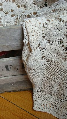 Crocheted lace √