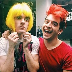 I'd love to show this to someone who knows nothing about Waterparks and see what their interpretation of this wonderful picture would be Emo Bands, Music Bands, Rock Bands, Band Pictures, Funny Pictures, Waterparks Band, Awsten Knight, I Need Jesus, All Friends