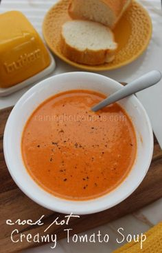 Crock Pot Creamy Tomato Soup: 28 ounce can Crushed Tomatoes 4 cup Chicken Broth 1 tsp Oregano 1 tsp Basil 1 cup Heavy Cream 1 tsp Salt 1 tsp Pepper 2 tbsp Butter Sopa Crock Pot, Crock Pot Slow Cooker, Crock Pot Cooking, Slow Cooker Recipes, Cooking Recipes, Healthy Recipes, Meat Recipes, Delicious Recipes, Vegetarian Recipes