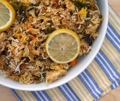 This Muslim Girl Bakes: The Laziest Chicken Biryani. Food Categories, Biryani, Fried Rice, Side Dishes, Vegan Recipes, Sweet Home, Food And Drink, Foods, Vegane Rezepte