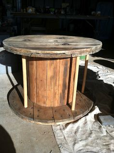 Latte Love: DIY: cable spool coffee table
