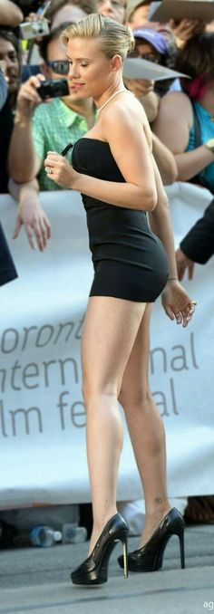 Scarlett....OMG...Perfection from head to toe.
