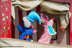 """""""Punch and Judy Show"""", British Puppet Show"""
