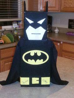 Batman valentine box Valentine Day Boxes, Valentines For Boys, Homemade Valentines, Valentine Day Crafts, Holiday Crafts, Batman Valentine, Holiday Fun, School Parties, School Gifts