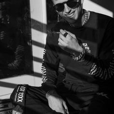 This smile #MGK