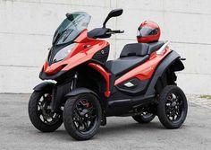 Voici la version de pré-série du Quadro 4, premier scooter à 4 roues