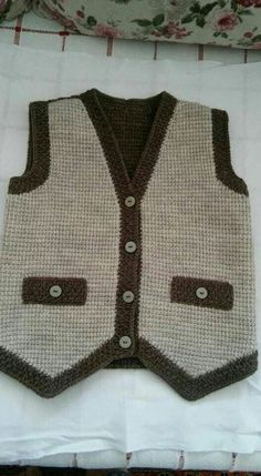 Knitted Baby Cardigan Models – Fatma Teker – Join the world of pin Baby Knitting Patterns, Baby Cardigan Knitting Pattern, Knitted Baby Cardigan, Baby Pullover, Costume Garçon, Gilet Costume, Baby Boy Vest, Toddler Vest, Crochet For Boys