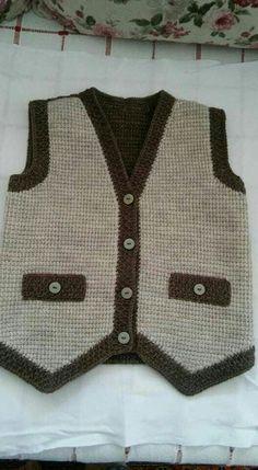 Knitted Baby Cardigan Models – Fatma Teker – Join the world of pin Baby Cardigan Knitting Pattern, Knitted Baby Cardigan, Baby Pullover, Baby Knitting Patterns, Crochet For Boys, Knitting For Kids, Free Knitting, Costume Garçon, Gilet Costume