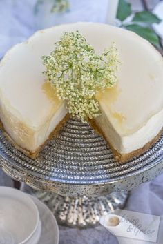 Eine Liebeserklärung * Holunderblüten-Torte * - Holunderblüten Joghurt Torte