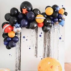 Great balloon decor for a room birthday party - Weihnachtsball - Decoration Balloon Garland, Balloon Decorations, Space Theme Decorations, Black Party Decorations, Balloon Display, Balloon Arrangements, Balloon Backdrop, Party Garland, Balloon Ideas