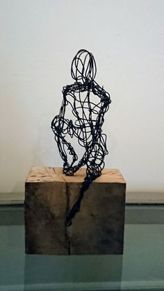 Hope you like a recent addition to my #etsy shop: Wire sculpture, man sitting. All items made to order https://etsy.me/2pSYl2X #art #sculpture #black #housewarming #ballet #dance #wiresculpture #interiordesign #wire