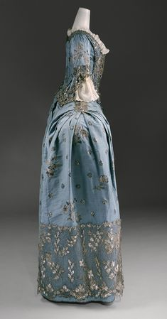 Court dress [British] (C.I.65.13.1a-c) | Heilbrunn Timeline of Art History | The Metropolitan Museum of Art