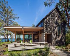 Orcas Island Retreat by Heliotrope Architects