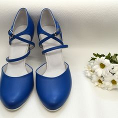 Farebné svadobné topánky - Barevné svatební boty, colour wedding shoes, modrá, royal blue Royals, Character Shoes, Blues, Dance Shoes, Fashion, Dancing Shoes, Moda, Fashion Styles, Fashion Illustrations