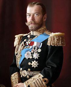Do P&B ao colorido: artista russa dá nova roupagem às fotos de Nicolau Romanov e sua família. | Rainhas Trágicas