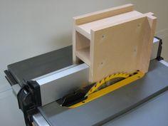 A tenoning jig for the Dewalt DW745 portable table saw | Julien Lecomte's Blog
