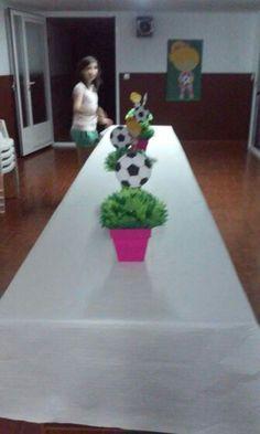 Mesa futbolera de TANIA