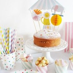 Decorate your party cakes with these fabulous and fun circus toppers complete with big top, clever critters and honeycomb decorations. Circus Theme Party, Circus Birthday, Birthday Bash, First Birthday Parties, First Birthdays, Party Themes, Diy Cake Topper, Birthday Cake Toppers, Circus Cakes
