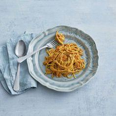 Pasta, Ethnic Recipes, Parmesan, God, Parmigiano Reggiano, Pasta Recipes, Pasta Dishes