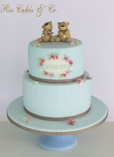 Shabby Chic Cake by Ros Cakes & Co.