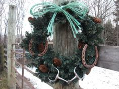 How perfect is this for decorating the barn for Christmas? So pretty!