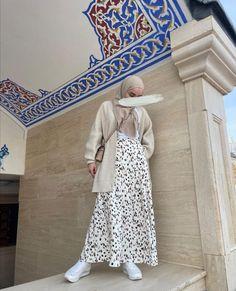 Modern Hijab Fashion, Street Hijab Fashion, Modesty Fashion, Hijab Fashion Inspiration, Muslim Fashion, Fashion Outfits, Modest Outfits Muslim, Muslimah Clothing, Long Skirt Fashion