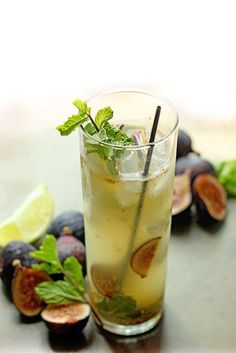 A smooth and easy fig mojito is perfect for enjoying this sensational fig season. Add a twist to the traditional cocktail for good measure. Classic Cocktails, Fun Cocktails, Summer Drinks, Cocktail Drinks, Mix Drinks, Party Drinks, Fig Season, Fig Recipes, Best Cocktail Recipes