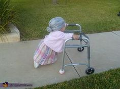 Little Old Lady Homemade Costume for Babies - Photo 3/4