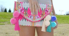 Pom Pom Tassel Keychain More Pom Pom Tassel Keychain Diy Clutch, Clutch Bag, Diy Fashion, Fashion Bags, Crochet Projects, Sewing Projects, Tassel Keychain, Diy Couture, Embroidered Bag