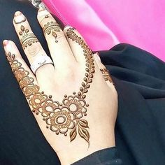 ....Contact me if you want henna done (707)-382-9790 #mehndi #henna #hennatattoo #hennadesign #swirls #sidehand #tattos #color #flowers #brown #fency #red #lamborghini #fingers #hand #ring #sidehand #awesome #life #art #goldengatebridge #artbyme #beautiful
