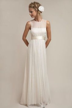 Vintage Brautkleider - Finde dein Brautkleid im Hippie Stil. Brautmode aus Spitze und elegante, schlichte Hochzeitskleider passend zur Shabby Chic Hochzeit!