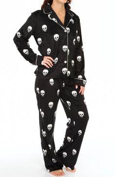 PJ Salvage Plush Polar Skull Print Fleece Pajama Set Deals on - PJ Salvage Plush Polar Skull Coupons, Skull Fashion, Dark Fashion, Gothic Fashion, Emo Fashion, Gyaru, Estilo Rock, Pin Up, Girly, Fleece Pajamas
