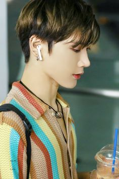 Read capitolul 3 from the story //M-ai uitat?//VOL ll//🔱 by aesthetic_bitcxh (~pe lângă junior~) with 428 reads. Winwin, Taeyong, Jaehyun, Nct 127, K Pop, Blake Steven, Ten Chittaphon, Capitol Records, Wattpad